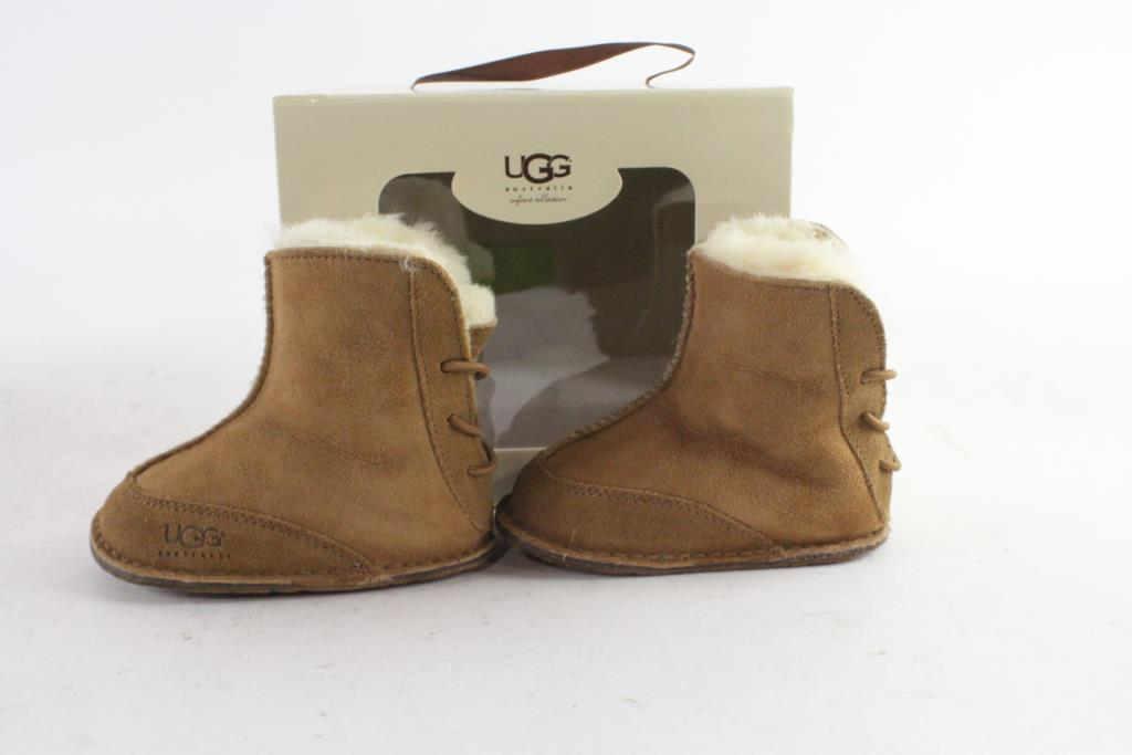 870375ad934 Ugg Baby Girl Boots, Size S   Property Room