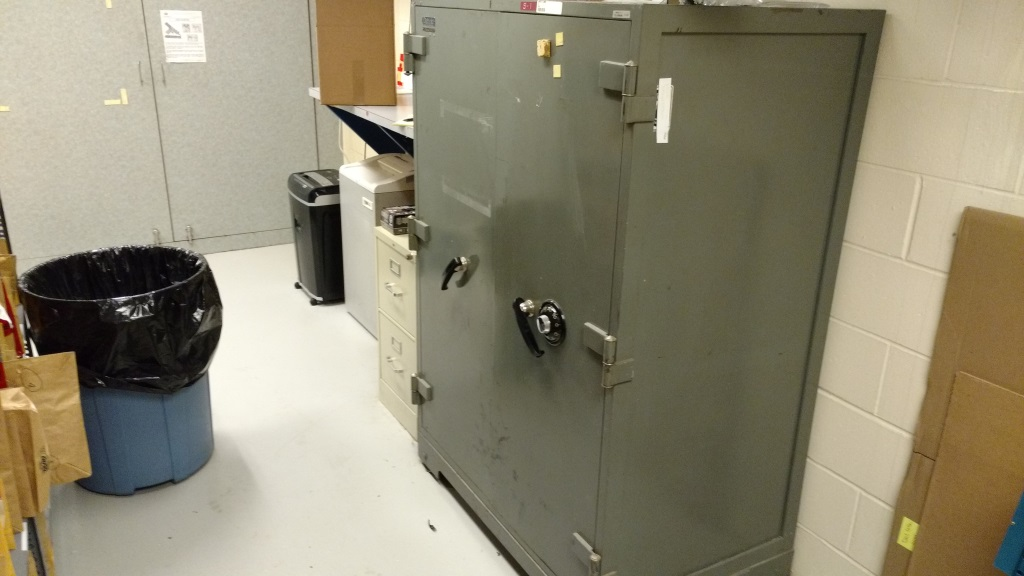 Used Diebold F1-D Fire Insulated Safe Class B (Renton, WA 98057