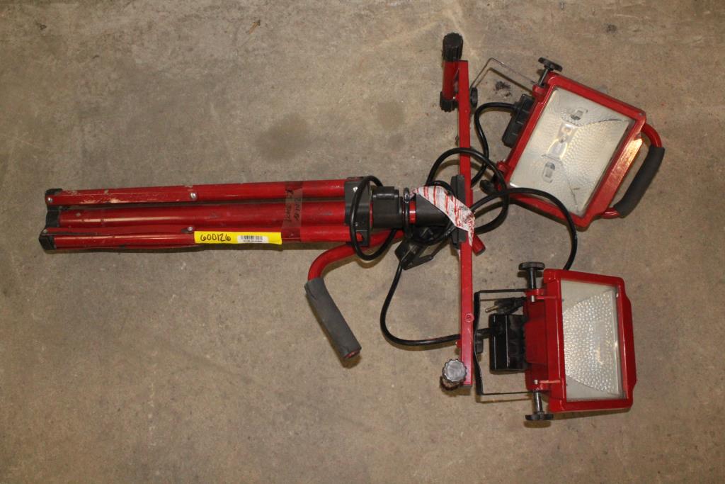 Utilitech Halogen Stand Dual Head Work