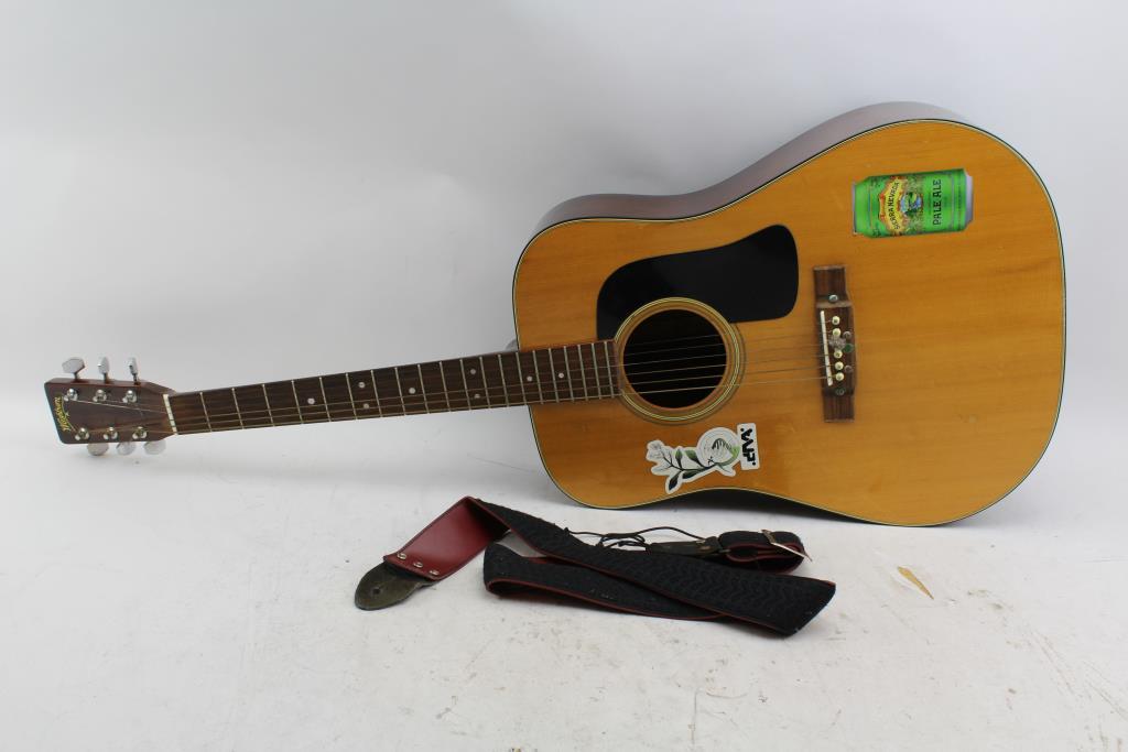 washburn d 15 acoustic guitar property room. Black Bedroom Furniture Sets. Home Design Ideas