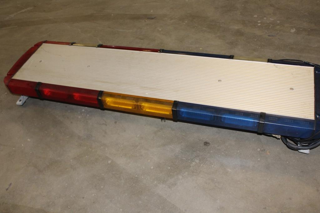 Whelen lfl liberty ss8rrbb light bar property room whelen lfl liberty ss8rrbb light bar aloadofball Image collections