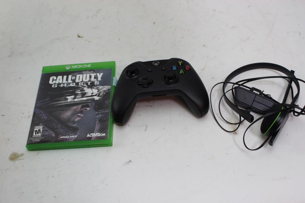 Xbox One Controller, Headset And Call Of Duty Ghost Game, 3