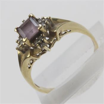 14kt Gold 3 5g Diamond Accented Purple Stone Ring