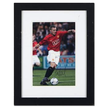 Autographed Photograph of Professional Soccer Player, Darren Fletcher. (Disclaimer)
