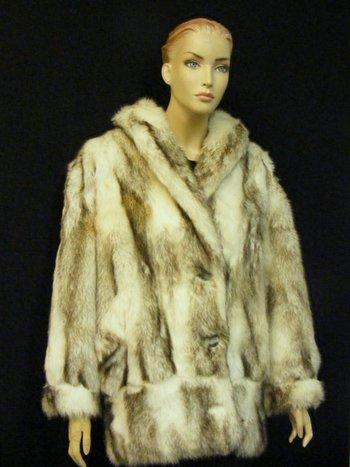 """Women's Faux """"Fox"""" Coat 2XL"""