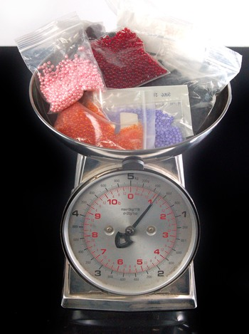 Beads For Jewellery - Over 1 Lb of Acrylic Jewellery Quality Beads