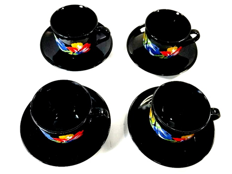 4 VTG Arcoroc France Bone China Tea Cup and Saucers
