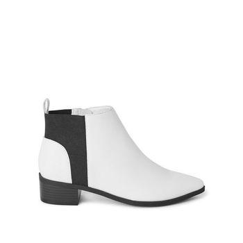 Women's Veena Booties White Size 8