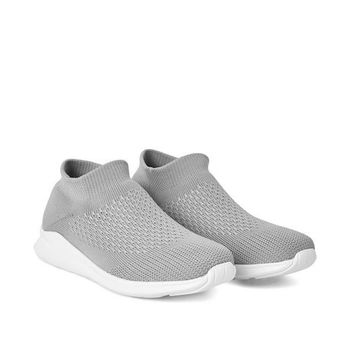 NWT Women's Knit Sneakers Grey Size 8