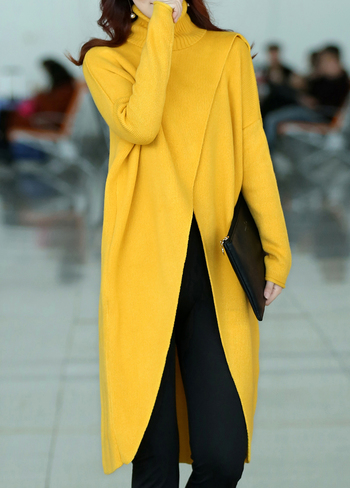 Long Sleeve Front Slit Turtleneck Yellow Sweater L