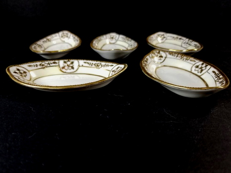 5 Nippon Antique Small Trays