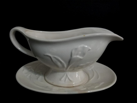 VTG Japan Porcelain Gravy Boat & Tray