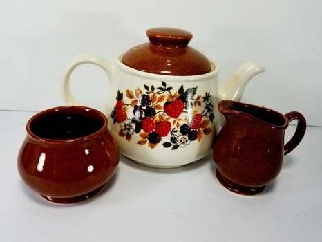 VTG Sadler England Porcelain Tea Kettle, Sugar Bowl Jug and Creamer