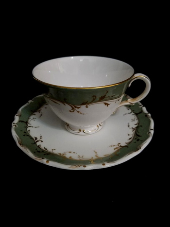 Royal Doulton English VTG Bone China Tea Cup and Saucer - Fontainbleau Collection