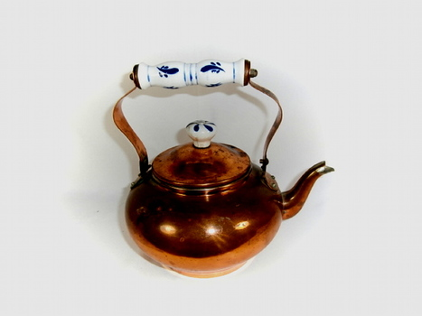 VTG Copper Kettle Teapot with Porcelain Delft Blue Handle and Knob