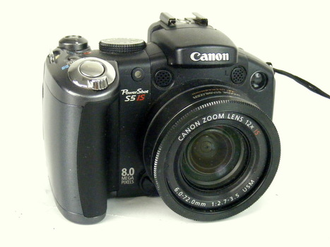 Canon Power Shot S5 IS Camera