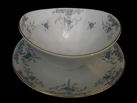 Porcelain Japan Porcelain Gravy Bowl With Tray