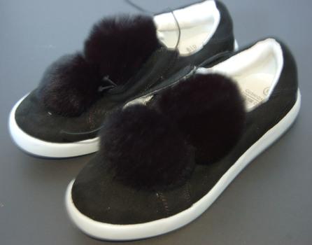Girls' Pom Pom Sneakers Black Size 12