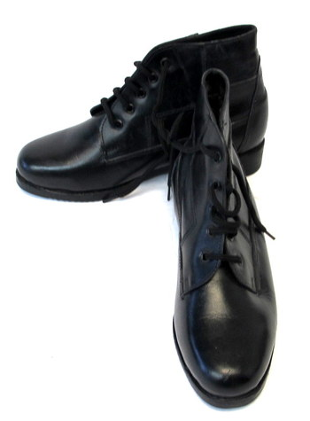 Shoe Island Women's Lace Up Winter Ankle Boots -Size 5