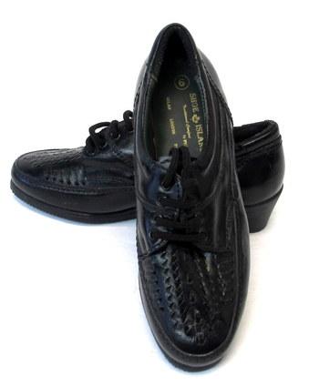 Shoe Island Women's Lace Up Shoes- Size6