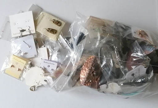 50 PIECES OF READY MADE JEWELRY PIECES - 2.5 POUNDS