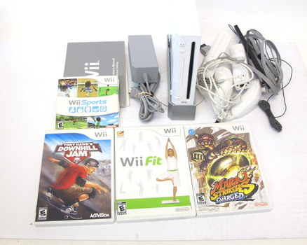 Lot- Nintendo Wii with Games and Controllers