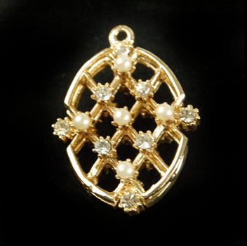 Gold Plated Crystal and Pearl Pendant