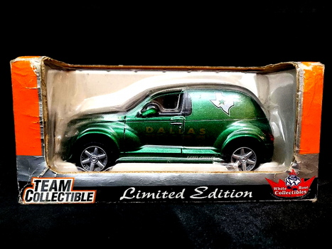 Official NHL 2002 Chrystler Panel Cruiser Dallas Stars Limited Edition Die Cast Model