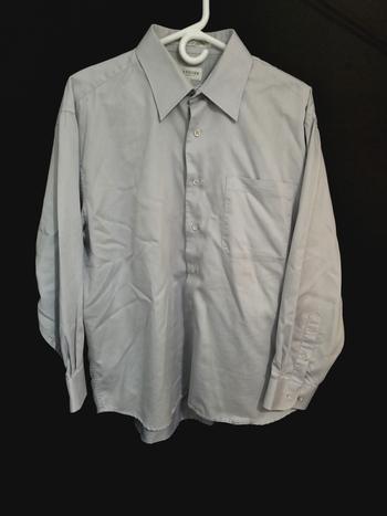 Van Heusen Classic Fit Mens Sz XL Button Up Long Sleeve Shirt