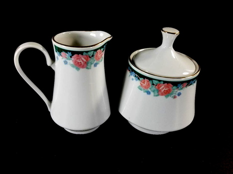 Porcelain Sugar Bowl With Lid And Creamer Pitcher
