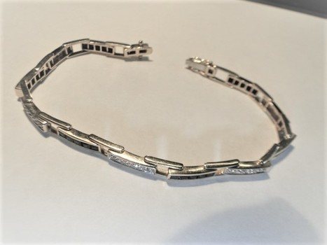 10 Kt Yellow Gold & Diamond Bracelet- Police Released Value $3,385.00
