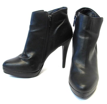 Le Chateau Women's Ankle Shoes-Size 11