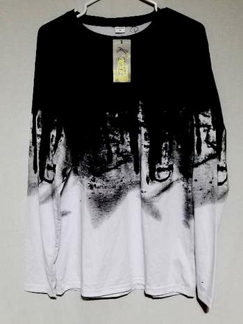 NWT Unisex Graphics long Sleeve T-Shirt Size M