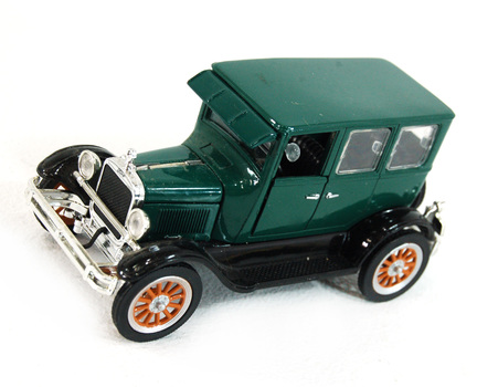 National Motor Museum Mint Co. Model Car / Collectible -1926 Model T Fordor Sedan