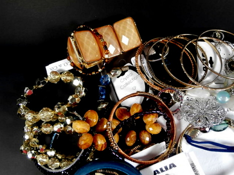 Mix Lot of 50 Pieces of Costume Jewelry Lot 50