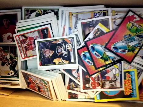Lot of 100 Random Hockey Cards Lot 29