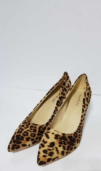 LEOPARD PRINT POINTED TOE HIGH HEELS- SIZE 9