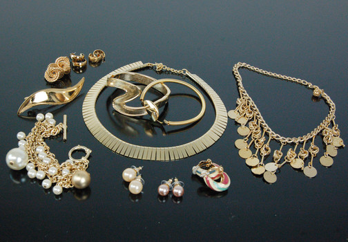 GOLD PLATED JEWELRY - NECKLACE - BRACELETS - EARRINGS