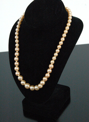 PEARL NECKLACE - CREAM GOLD COLOR GLASS PEARLS FROM CZECHOSLOVAKIA