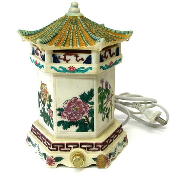 Vintage Pagoda Style Lamp with Dimmer