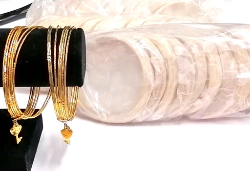 BANGLES - GOLD TONE 7 ROWS BANGLES IN 1 WITH HEART AND KEY CHARMS - 50 PIECES