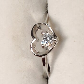 Sterling Silver Heart Shaped Ring Sz 6