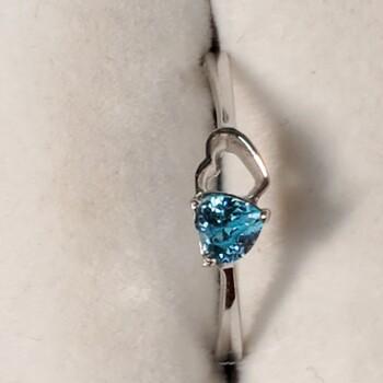 Sterling Silver Blue Topaz Ring Sz 6
