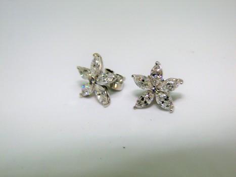 18 Kt Gold 1.53 Ct Diamond Earrings Appraised $5,800.00