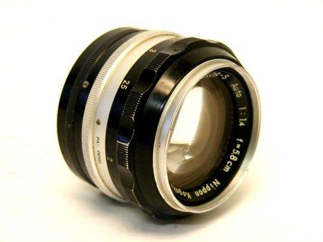 Nikkor-S Auto 5.8 Cm f1.4 Lens