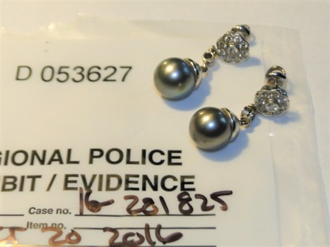 14 Kt White Gold Diamond South Seas Pearl Earrings $5,095.00 Police Seized