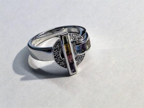 18Kt Gold & Diamond Guy Laroche Ring Appraised $1,100.00 Cdn