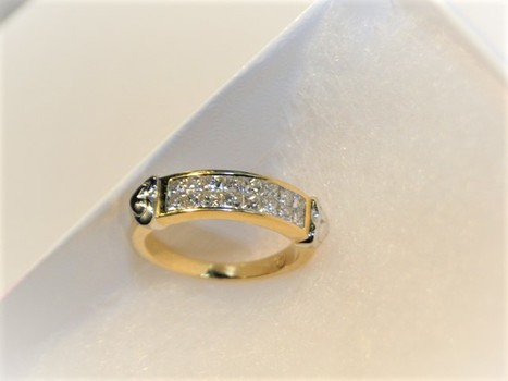 18 Kt Gold 1 Carat Diamond Ring