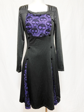 LADIES BLACK WITH PURPLE SKULL  PATTERNED LACE LONG SLEEVES DRESS SIZE MEDIUM