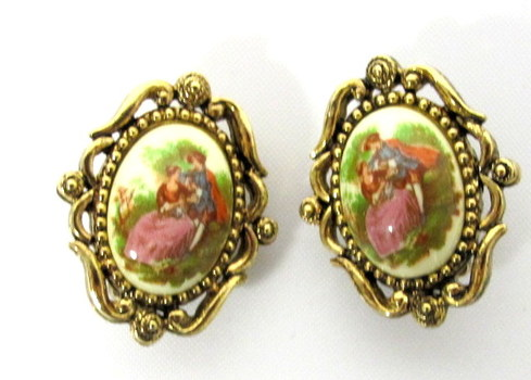 Vintage Fragonard Clip Earrings